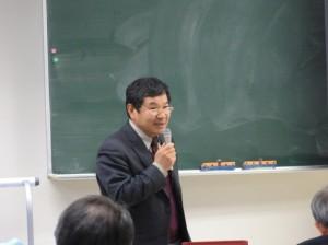 講師の吉武清實氏
